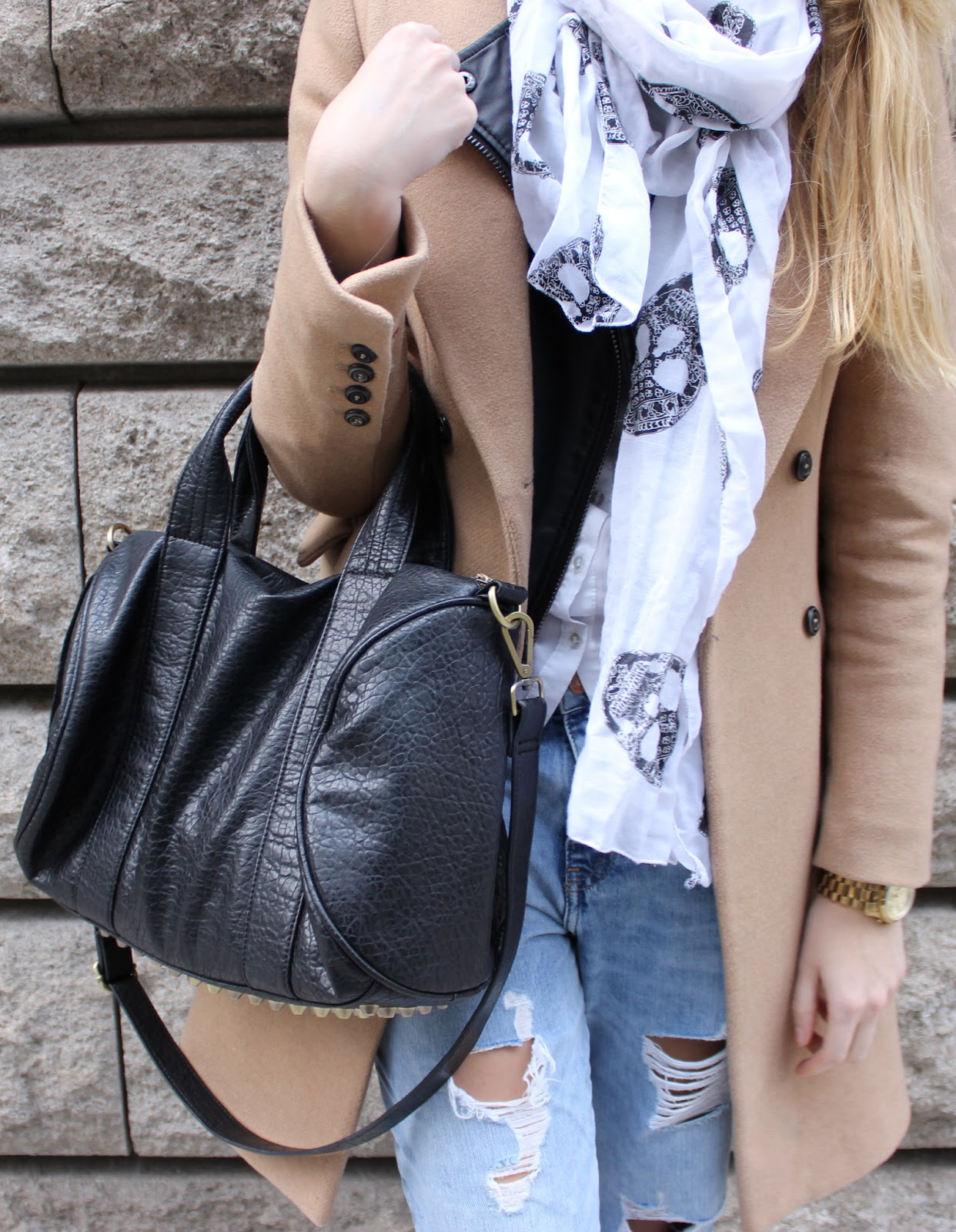 TheBlondeLion Boyfriend Jeans Camel http://theblondelion.blogspot.com/2014/12/look-casual-in-camel.html