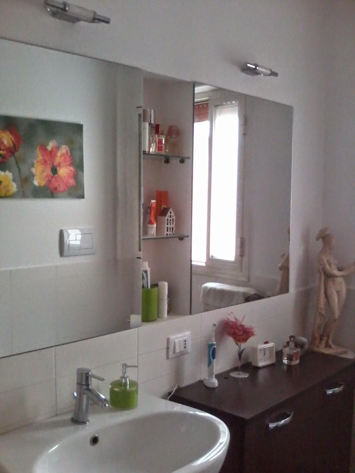 nicchie a muro in ceramica : Unaltra nicchia utilissima ? allinterno della doccia: