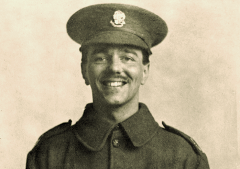 wilfred owen backround wilfred owen (18 march 1893 – 4 november 1918) was an english poet and soldier, one of the leading poets of the first world war born in england, market town on welsh boarder.