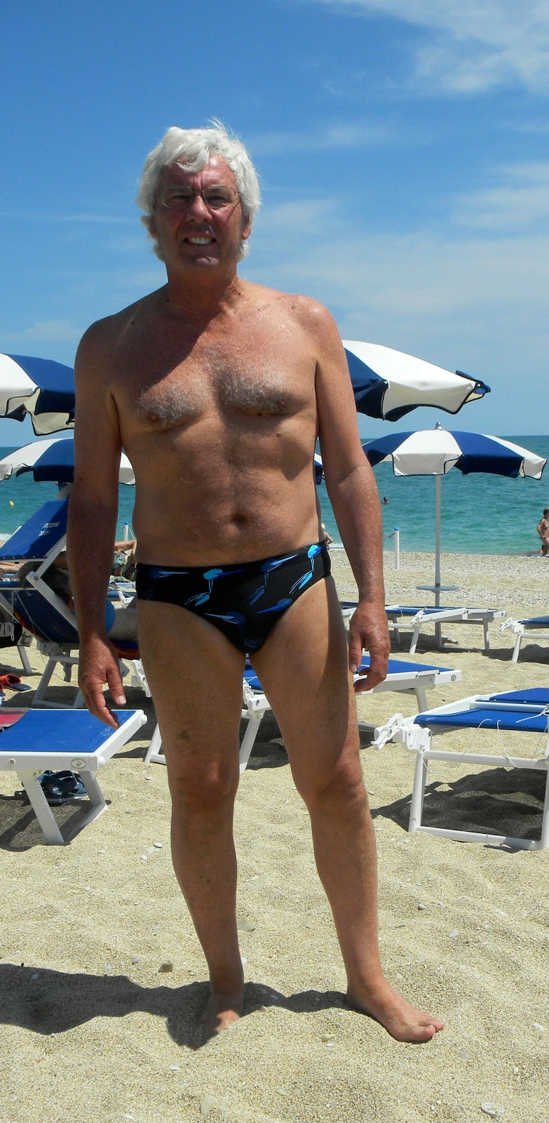 how to wear speedo ear plugs for swimming
