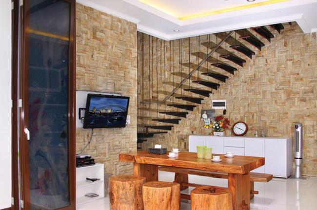 ... Eksterior Rumah: Renovasi Dinding Interior dengan Batu Alam Palimanan