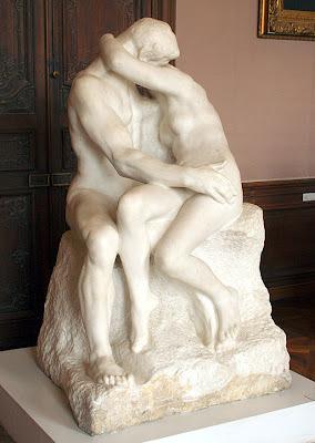 Escultura O Beijo