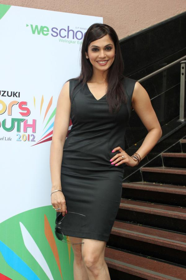 Isha Koppikar wallpapers