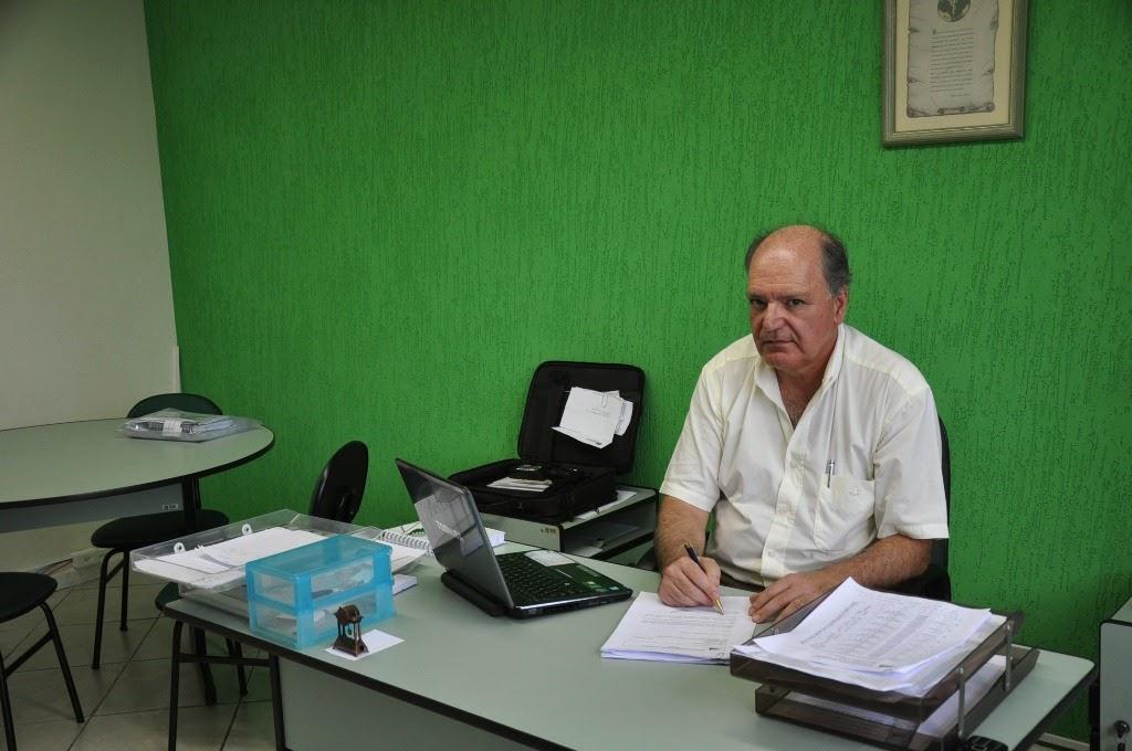 Professor Manoel Pombo, coordenador do curso de Medicina do UNIFESO