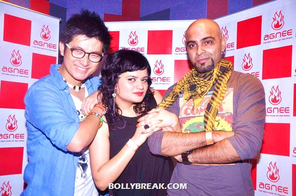 Meiyang Chang, Aditi Singh Sharma, Raghu Ram - (4) - Gul Panag, Mrinalini Sharma and others at Agnee's Bollywood debut gig