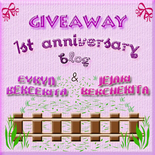 http://nurinassyahira.blogspot.com/2012/04/giveaway-1st-anniversary-blog-eyryn.html