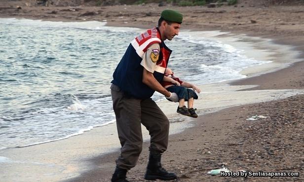 Aylan Kurdi Pictures [2]