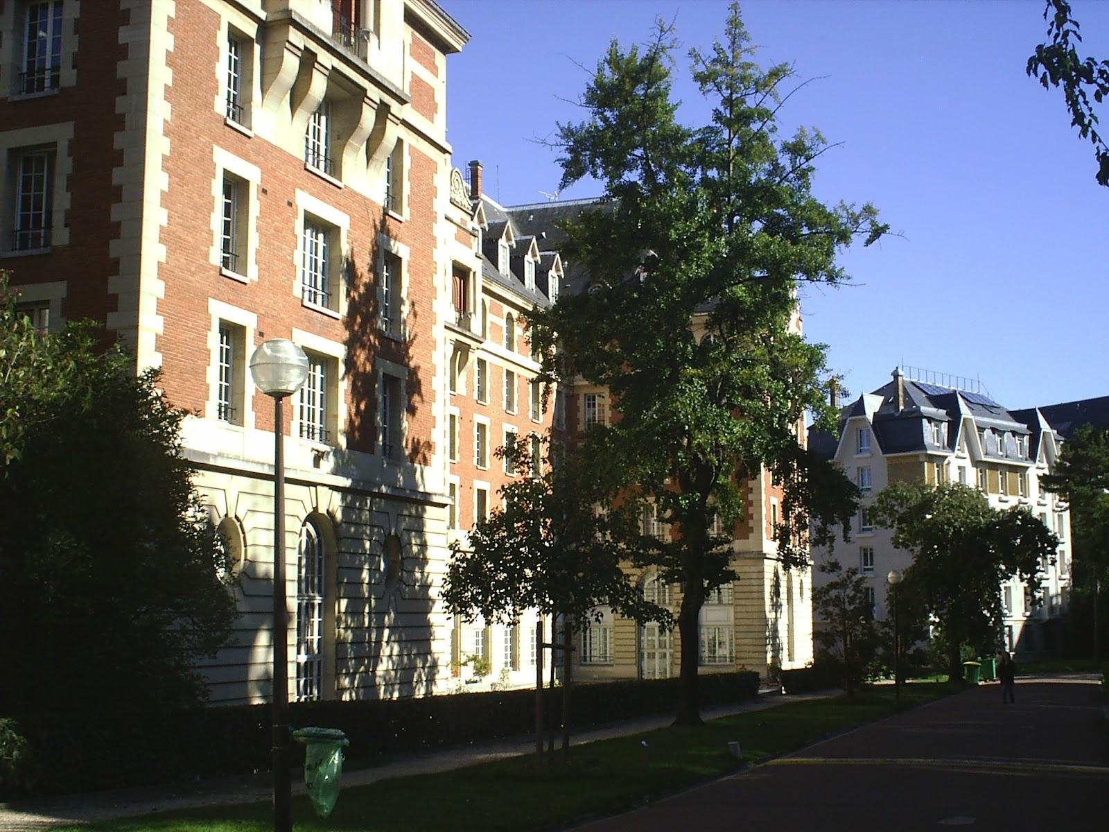 site_universitaire_paris_immigration_sarkozy_expulsion_étranger_quota_intégration