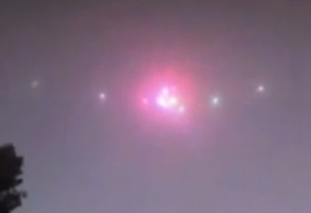 http://silentobserver68.blogspot.com/2012/11/over-100-ufos-seen-along-china-border.html