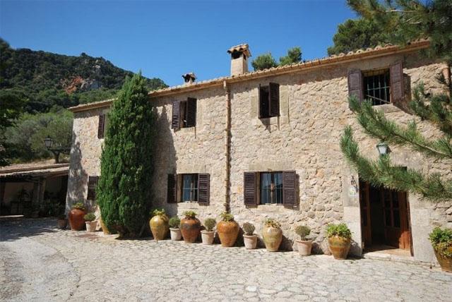 Luxury Stone House House Affair