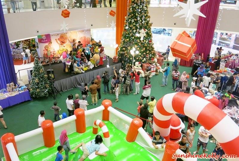 Upin & Ipin, mascot, Upin & Ipin mascots, christmas deco, christmas in the mall, Bloggers' Day Out @ Klang Parade, Klang Parade, Shopping Mall