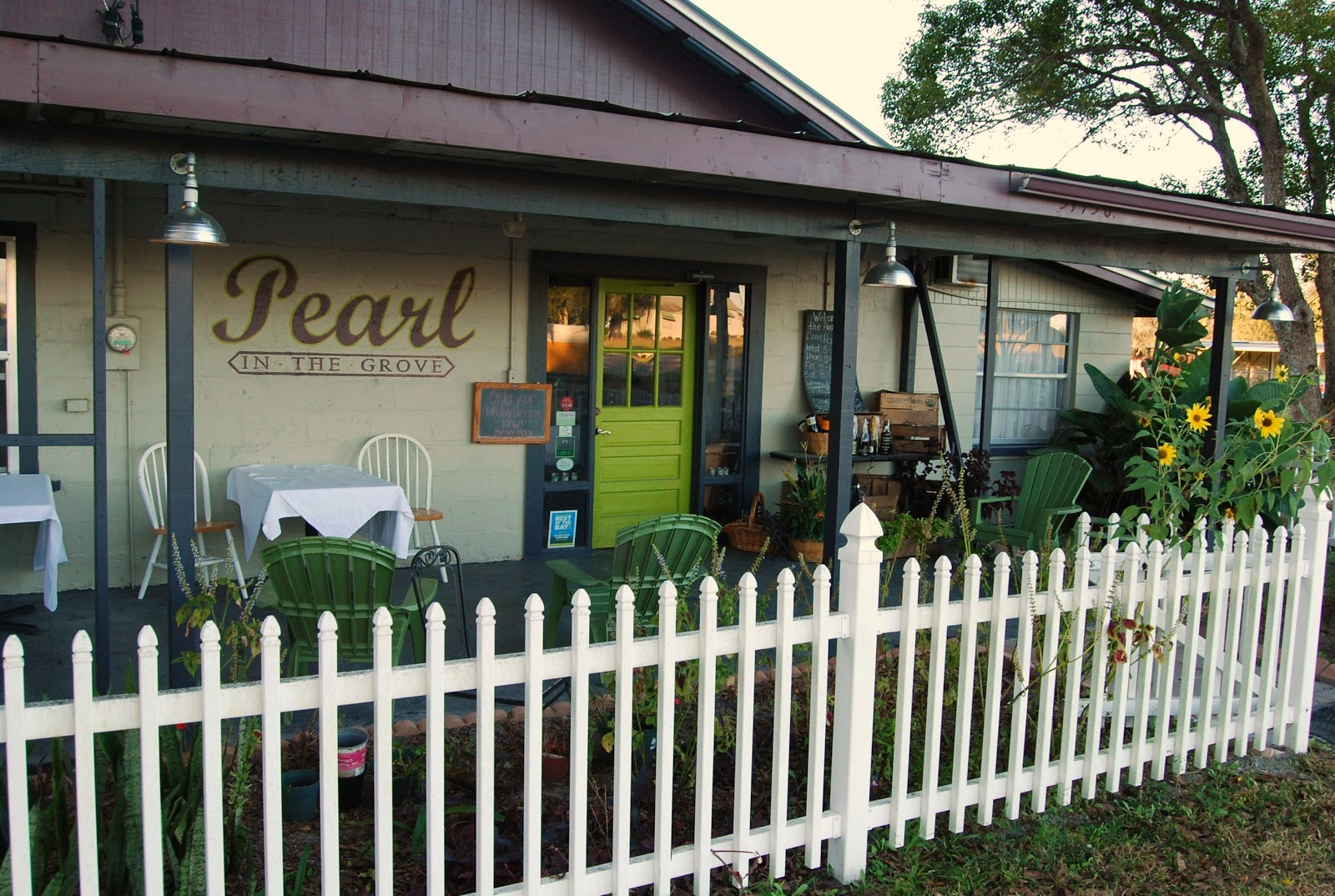 Outside View Of Pearl In The Grove Restaurant Dade City Fla Copyright 2017 By Helen A Lockey