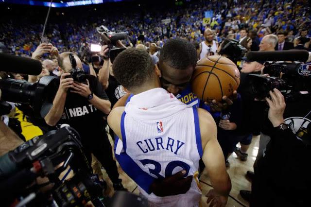 Curry sözünü tuttu: 402 üçlük, 73 galibiyet