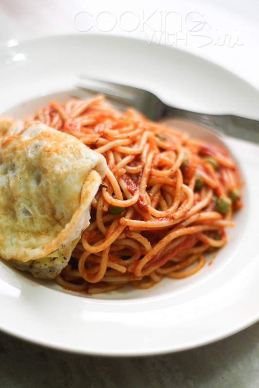 ... 15 minutes: {Recipe} Easy Spaghetti with Tomato Sauce and Fried Egg