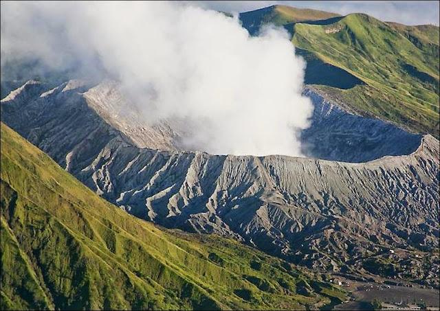 Wisata Nusantara Alam: Menaklukan Gunung Bromo