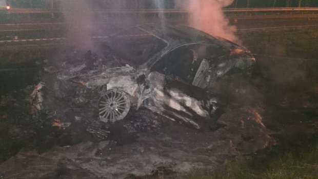 Nothing left of Bentley Continental GT after high speed crash & fire
