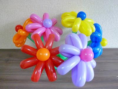 цветы ромашки из воздушных шариков