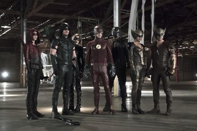 Une première image super-héroïque pour l'énorme cross-over Arrow/The Flash