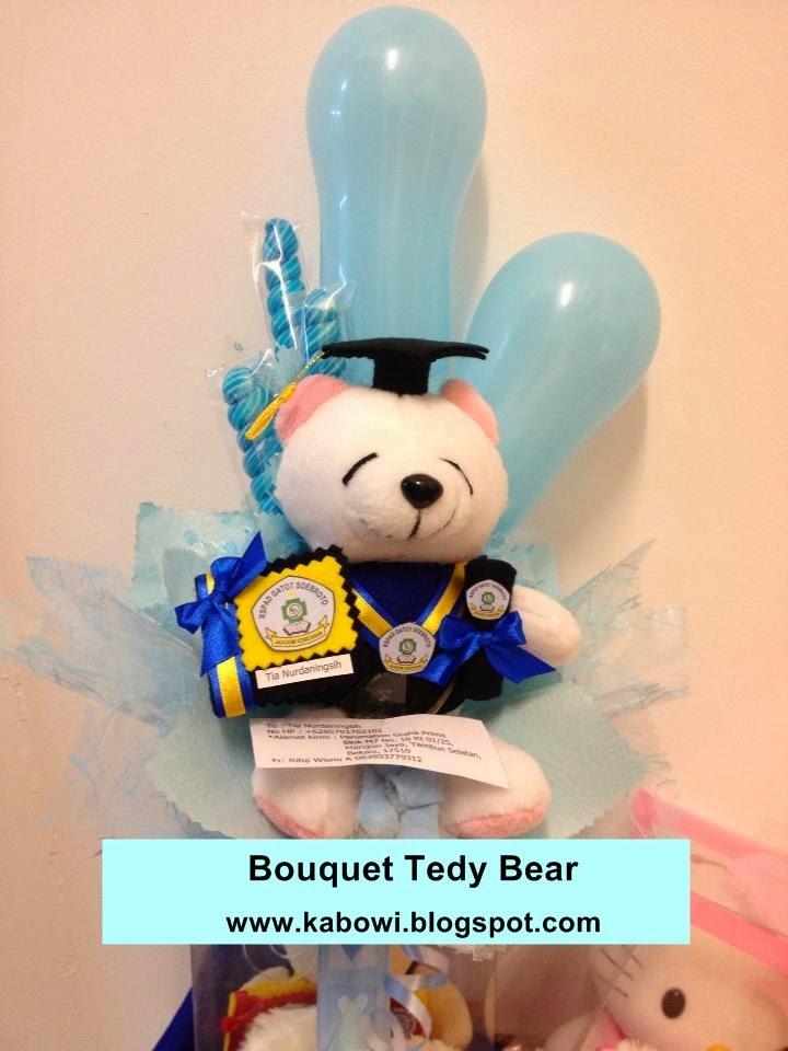bucket+beruang+tedy+bear+wisuda+boneka+sekolah+baju+logo+baju+toga+warna+contoh+jual+kado+hadiah+boneka+++fakultas+jurusan+negeri.jpg