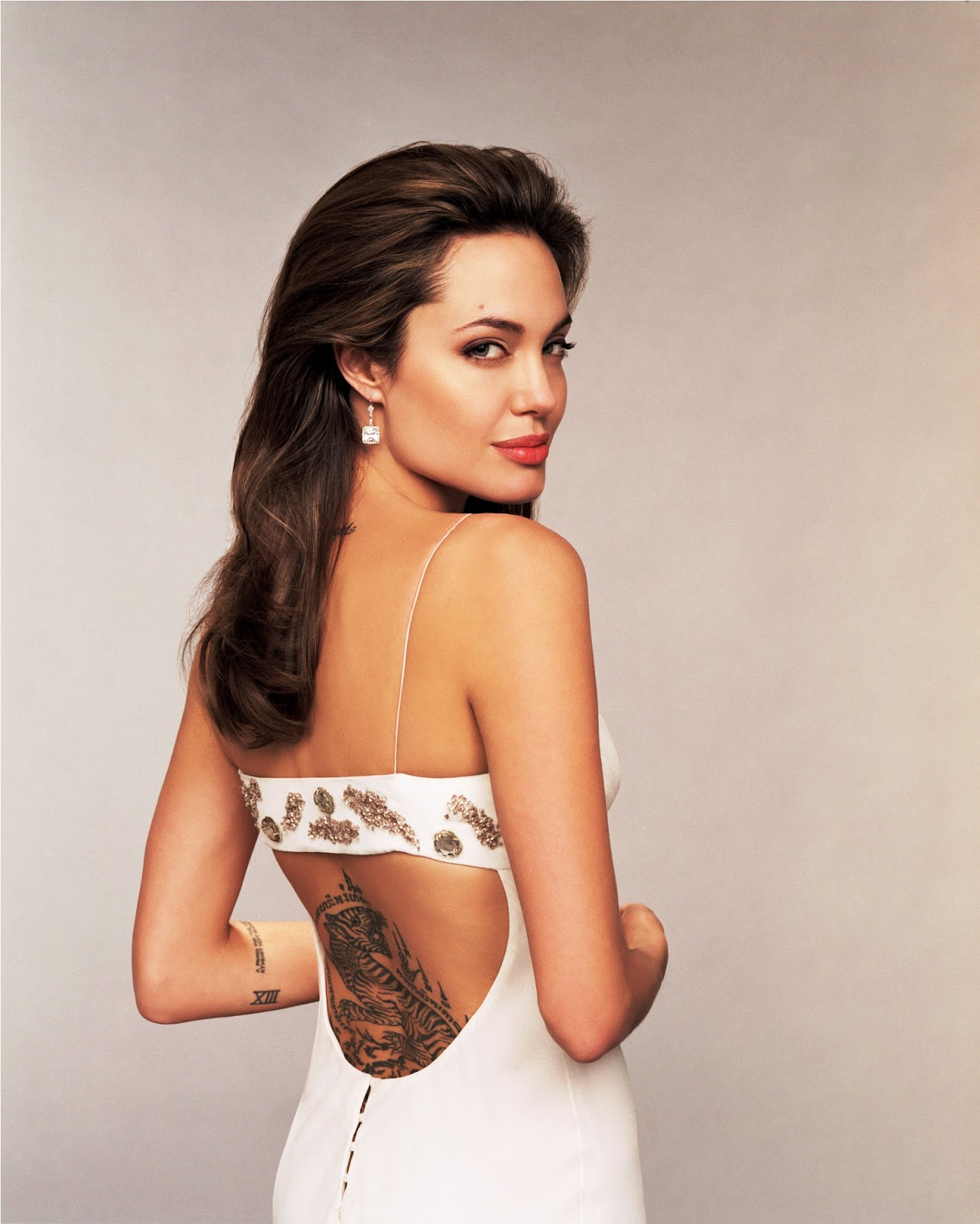 all about hollywood stars angelina jolie hot pics