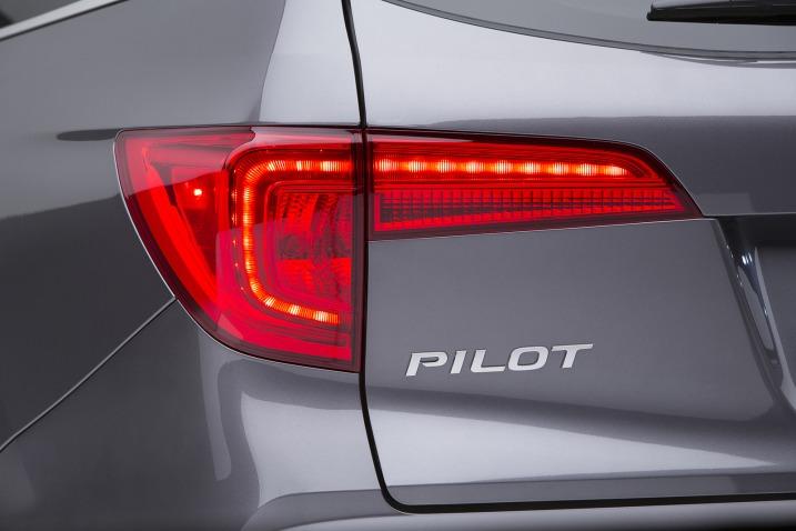 2015 - [Honda] Pilot 2016-Honda-Pilot-6