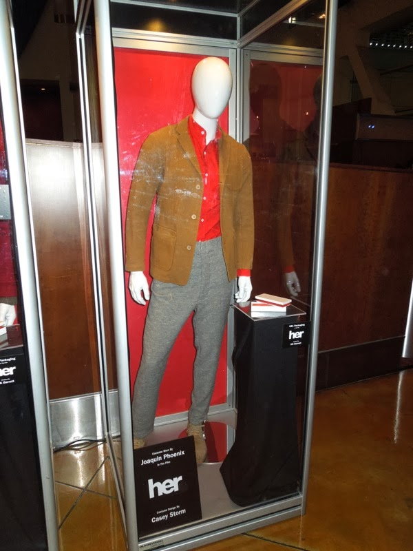 Joaquin Phoenix Her movie costume