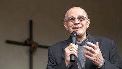 """Esce in libreria """"Per la vita, sempre"""" scritto da monsignor Luigi Stucchi"""