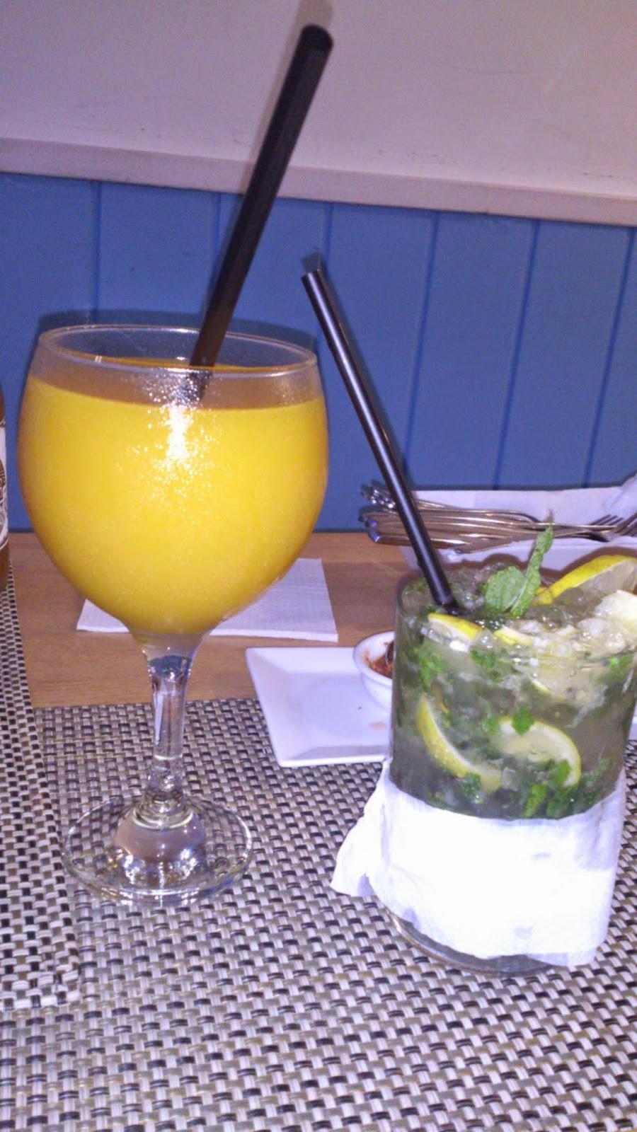beber mojito y jugo de mango