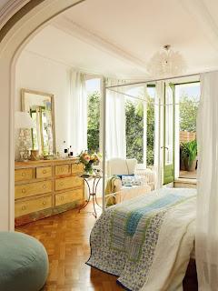 romantic bedroom design with semicircular windows 4 554x738 Desain Kamar Tidur Romantis Dengan Jendela setengah lingkaran