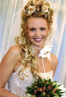 peinados-de-novia-2 Coronas de flores para tu boda