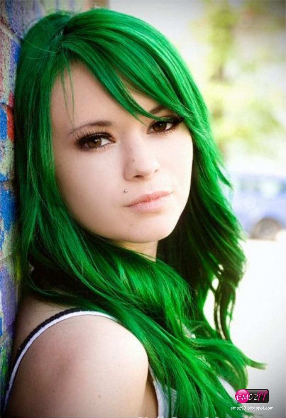 scene girls with green hair