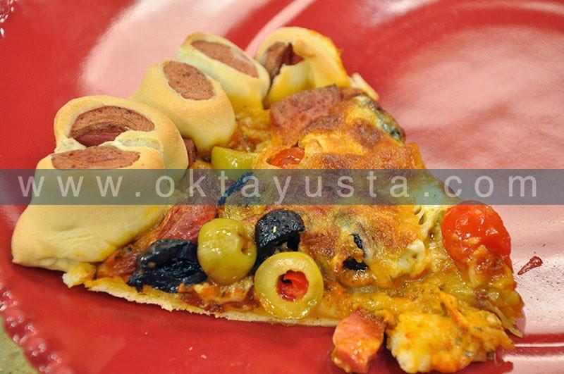 Sosisli Çiçek Pizza Tarifi
