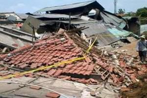 Gempa Kebumen Runtuhkan Rumah di Purworejo