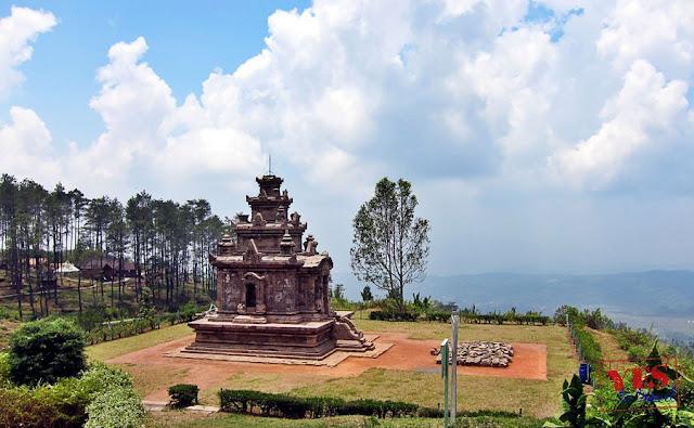 Gedong II - Candi Gedong Songo Java Indonesia
