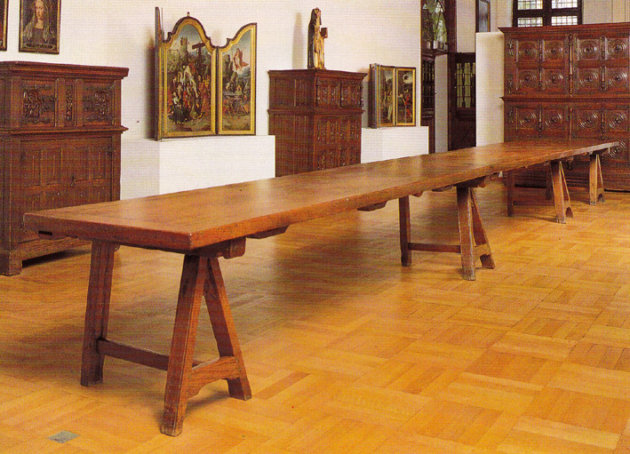 St Thomas guild medieval woodworking furniture and  : complete table from thomasguild.blogspot.com size 709 x 511 jpeg 175kB
