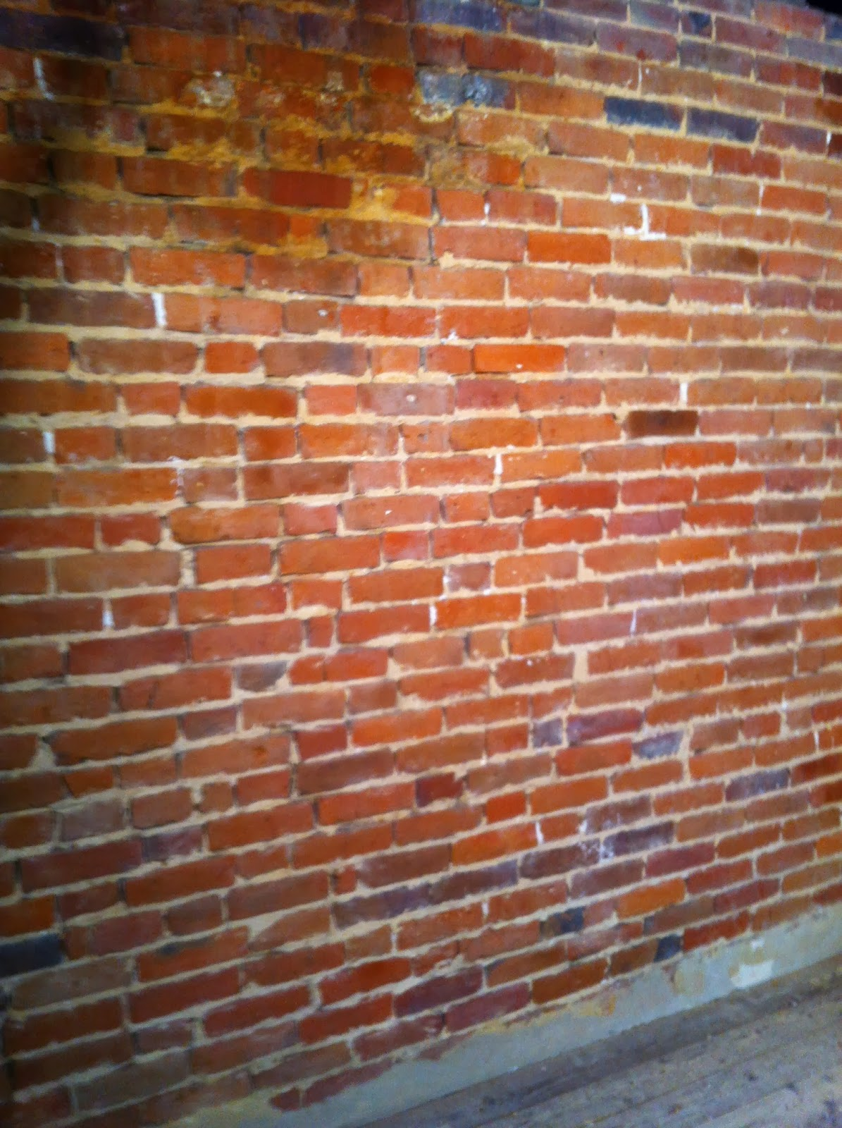 Verveine cognac r nover un mur de briques for Construire mur en brique