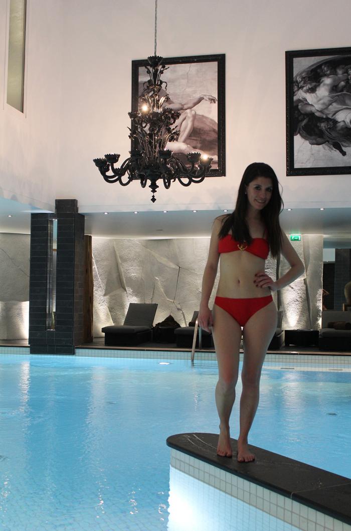 diana dazzling, fashion blogger, fashion blog,  cmgvb, como me gusta vivir bien, dazzling, luxury, spa, spa Nuxe, courchevel 1850, le strato, luxury hotel, bikini, snow bikini, snow spa, swimming pool