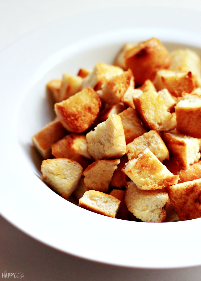 homemade garlic butter croutons — easy and so much better than store croutons! │ thehappytulip.com