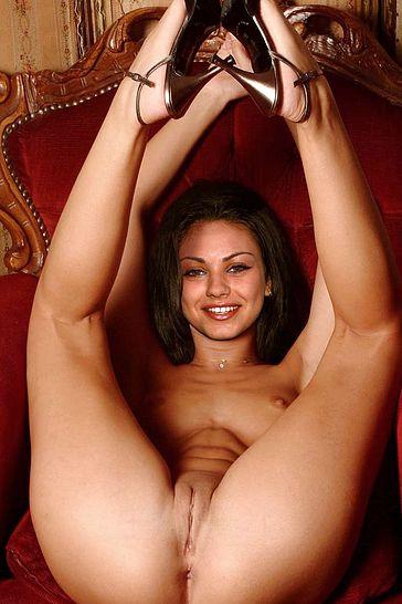 секс фото милы кунис