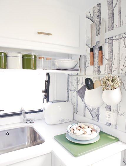 Papel pintado para la cocina papel pintado de cole son for Interiores de caravanas reformadas