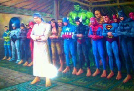 Foto lucu Super Hero lagi Shalat Berjama'ah