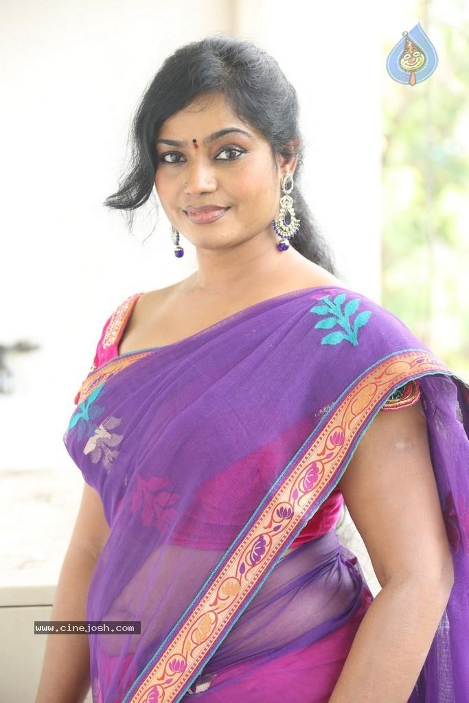 Indian Hot Actress: Telugu Actress Jayavani Hot navel and ...