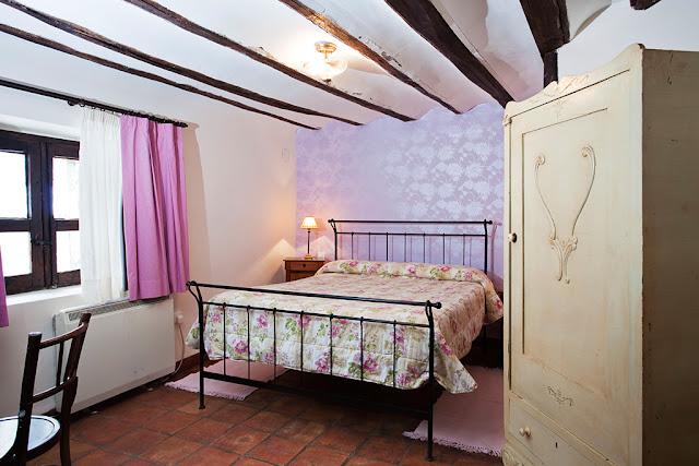 Imagen de dormitorio en Kimono rosa