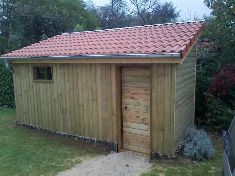 Denis certain construction d 39 ouvrages en bois for Cabanon de jardin en bois