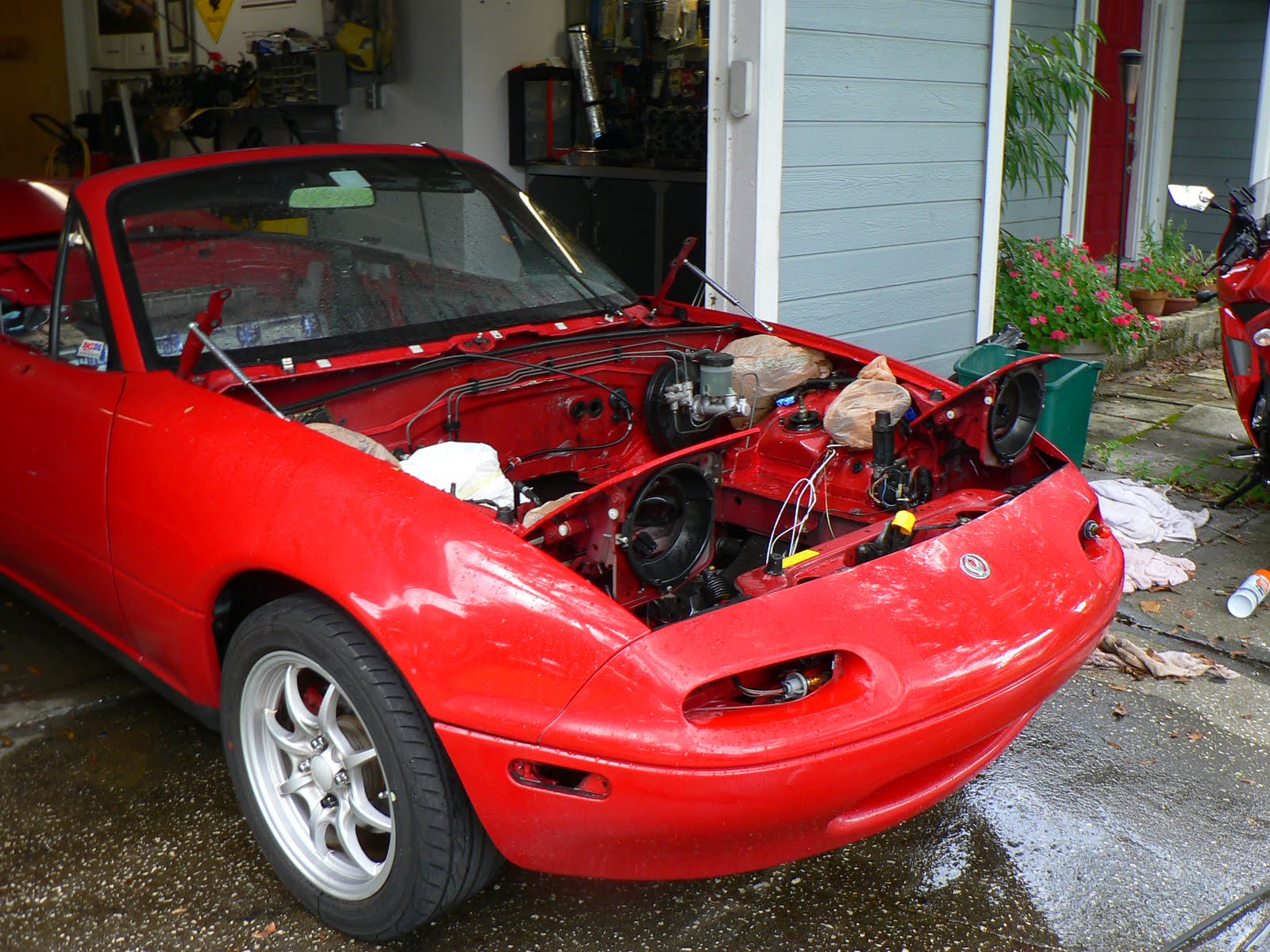 P1040803 morrison's garage removing miata engine and transmission  at fashall.co