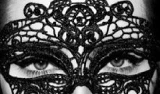 Kush Është Prapa Maskës?