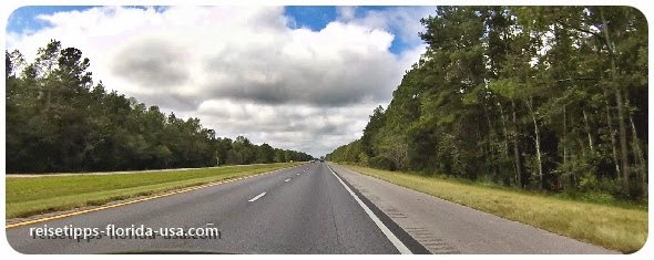 Fahrt von Tallahassee nach Ponce de Leon auf der Interstate 10, Florida USA