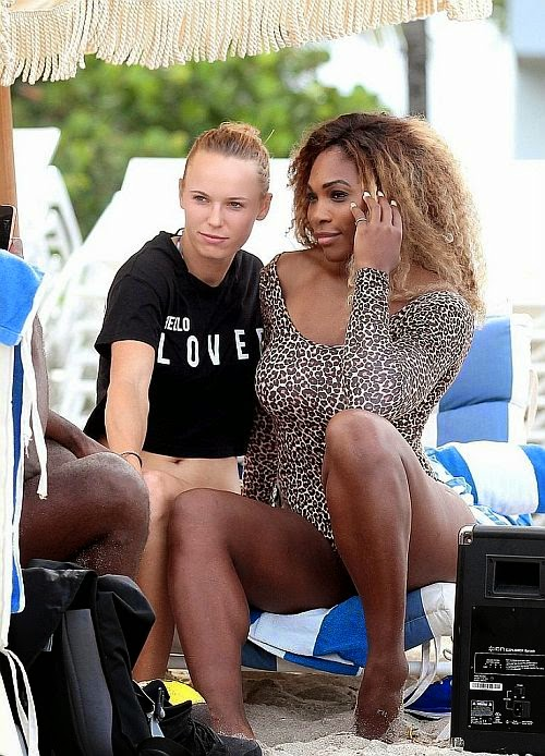 The gorgeous blonde Caroline Wozniacki, who smartly took her perfect shapes for the trek through the Miami beach, Tampa, Florida, USA on Sunday, June 1, 2014 with another great tennis athlete, Serena Williams.