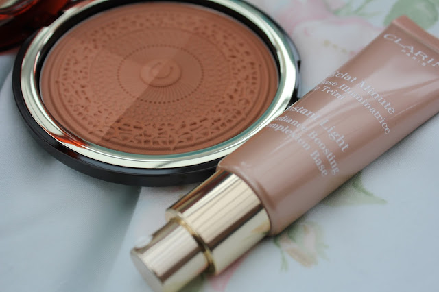 Instant Light Radiance Boosting Complexion Base, 04 Apricot, Clarins,