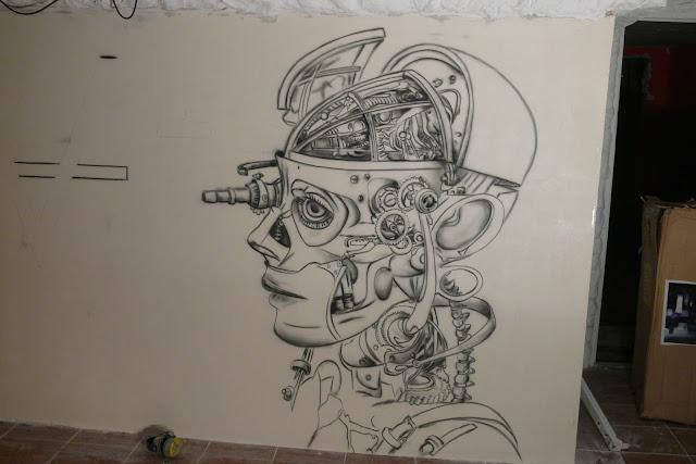 Malowanie klubu Arctica w Płocku, mural, biomechanika, aranżacja ściany